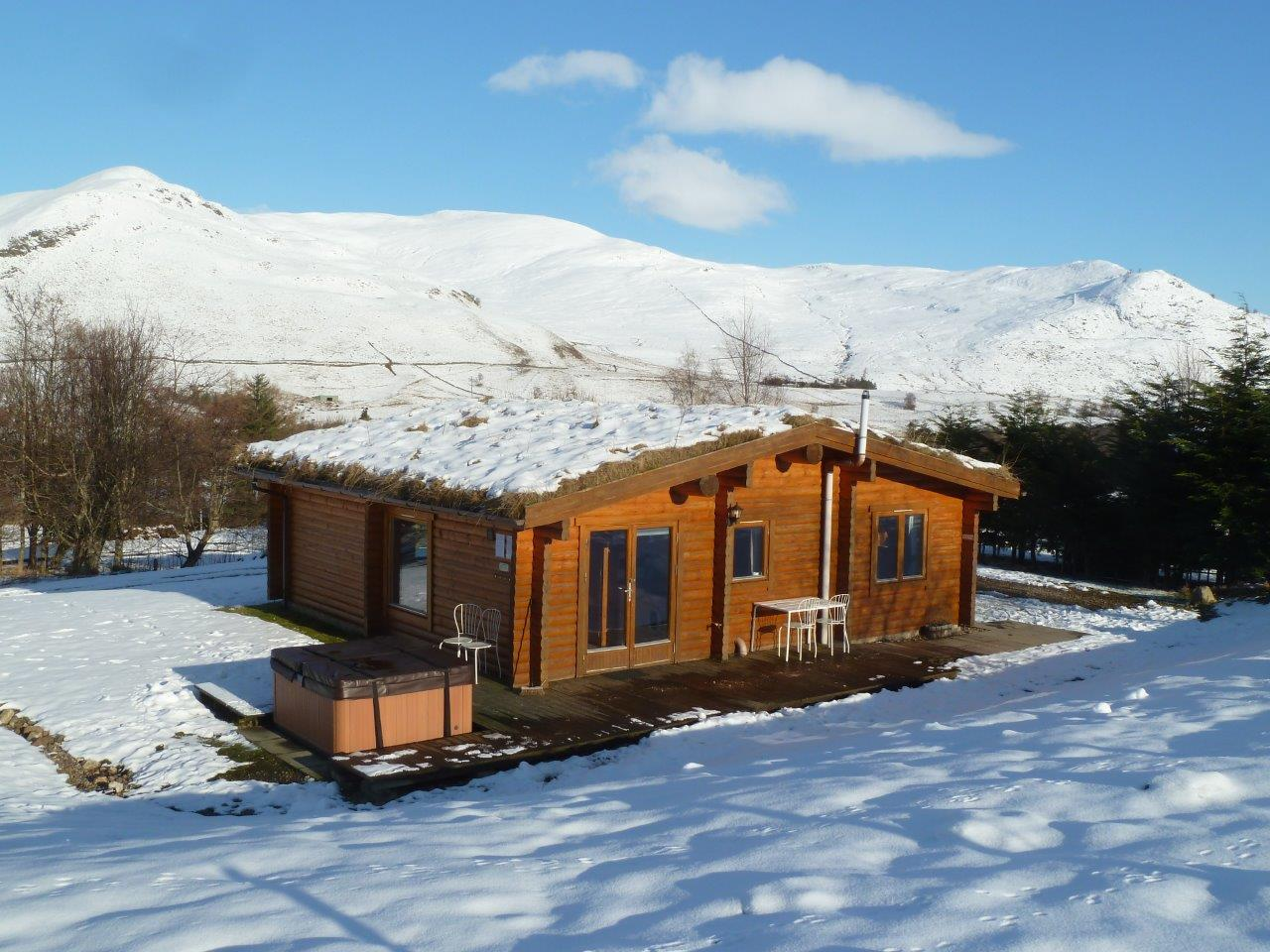 Cragdhu Log Cabin Winter