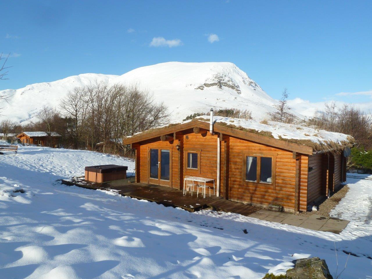 Cragdhu Log Cabin Winter