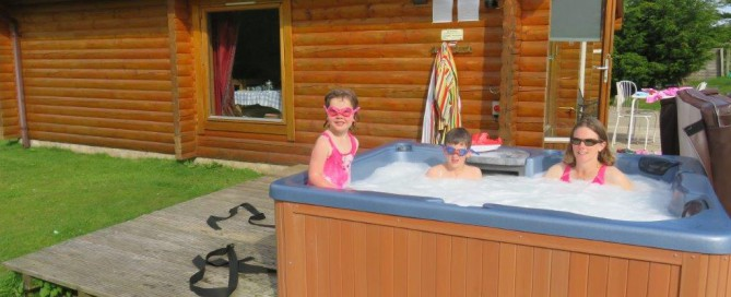 25% Discount for This Weekend in a Log Cabin