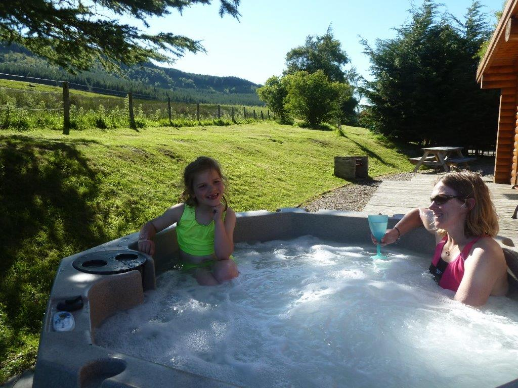 Dalhuddal Log Cabin Hot Tub