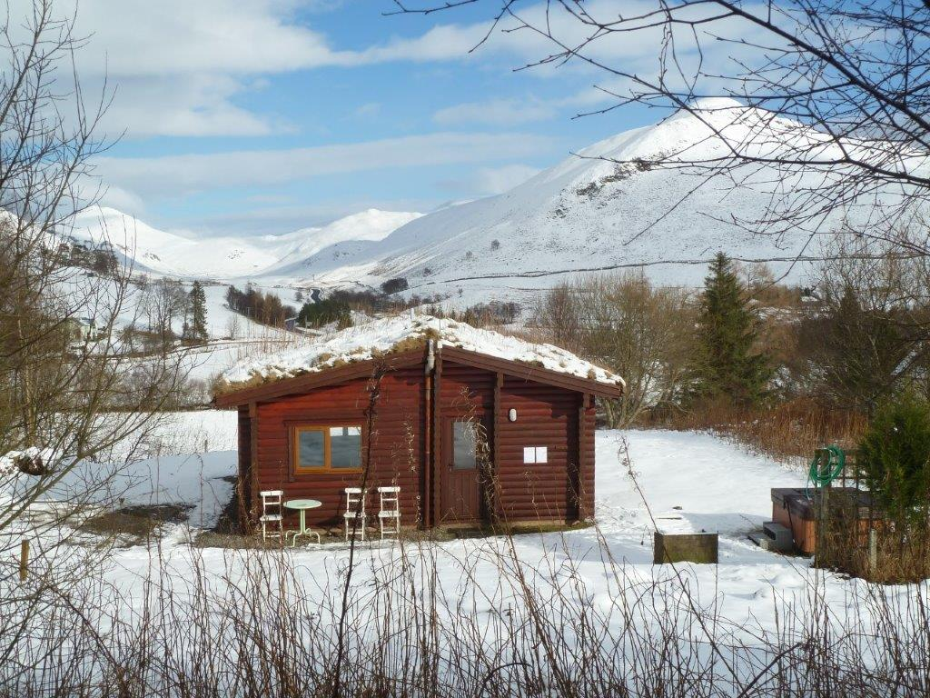 Benearb Log Cabin Winter