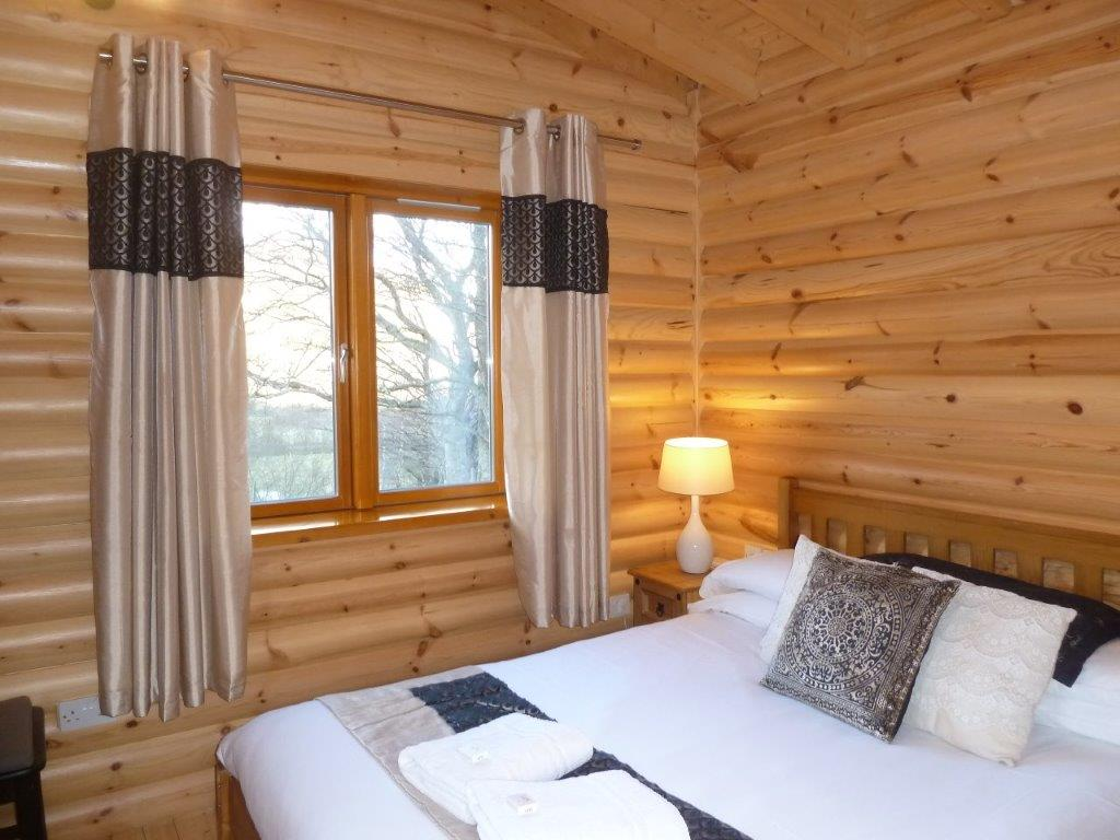 Scotsview Log Cabin Bedroom