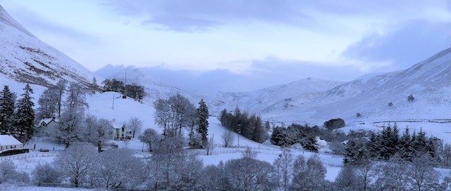 A peaceful white morning at glenbeag